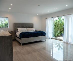 Bedroom, 1100 Belle Meade Island Dr