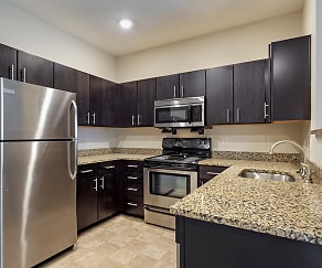 Kitchen, Reserve at Southpointe