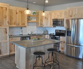 Kitchen, Skaff Apartments - Fargo