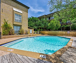 Pool, Oak Park