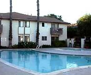 Pool, Sierra Gardens