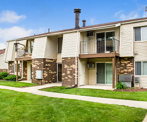 Building, The Pines Apartments & Townhomes