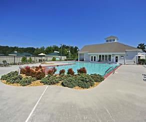 Pool, Jefferson Pointe