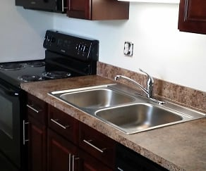 Kitchen, Estero Woods Village In Fountain Lakes