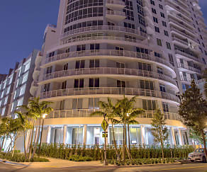 Building, Amaray Las Olas by Windsor