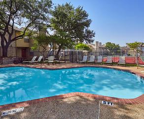 Pool, Bella Vista