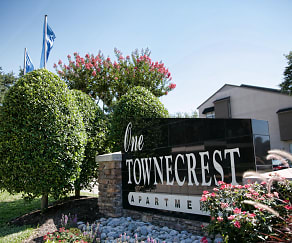 Community Signage, One Townecrest Apartments