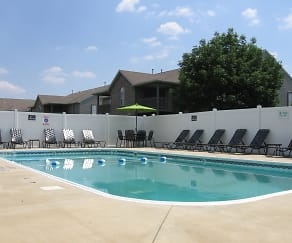 Swimming Pool & Sundeck, Shenandoah Properties