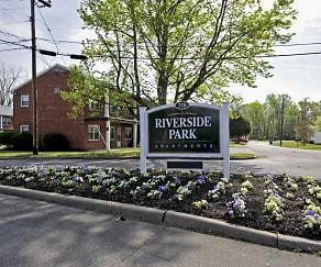 Building, Riverside Park