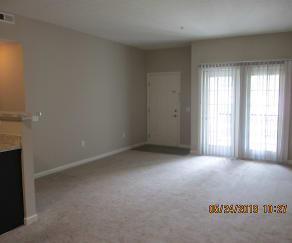 Living Room, 1627 Gilmore Park Suite 208