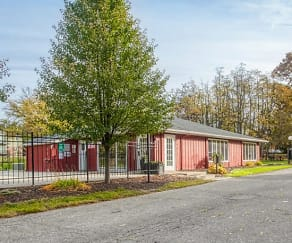 Leasing Office, Richmond Hills Apts