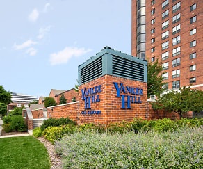 Community Signage, Yankee Hill Apartments