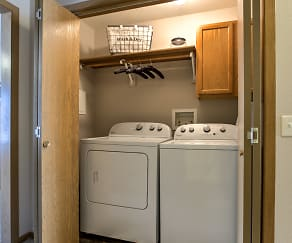 3 Bedroom Full Size Washer and Dryer, Tranquility Pointe