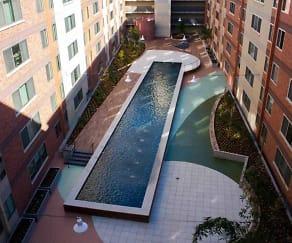 Courtyard, University Gateway