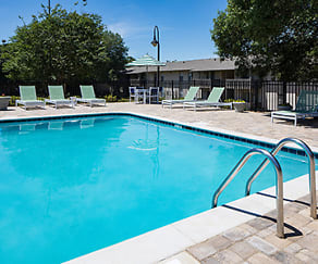 Pool, Huntleigh Woods Apartment Homes