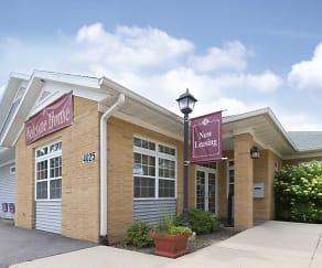 Leasing Office, The Pointe at Cedar Rapids