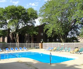 Pool, Lake Candlewood