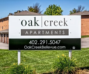 Community Signage, Oak Creek Apartments