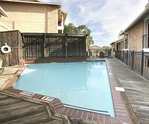 Pool, Highcrest Apartments