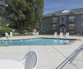 Pool, Quail Ridge Townhomes & Apartments