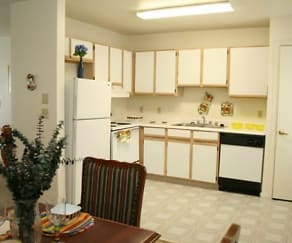 Affordable Apartment Living in Dallas TX, Parks at Wynnewood Apartments
