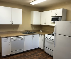 Kitchen, Furnished Studio - Cincinnati - Blue Ash - Kenwood Road