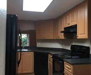 Kitchen, NW 16 St. Junior 1 br