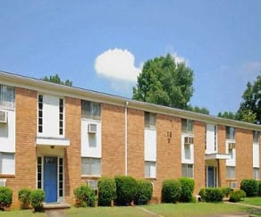 Building, Whispering Oaks Apartments