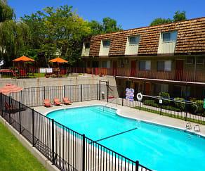 Pool, Country Club Villas