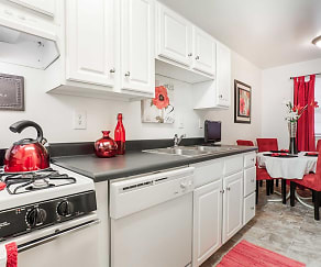 Kitchen, The Arbors Apartments