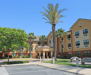 Building, Furnished Studio - Los Angeles - Ontario Airport