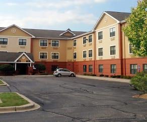 Building, Furnished Studio - Merrillville - US Rte. 30