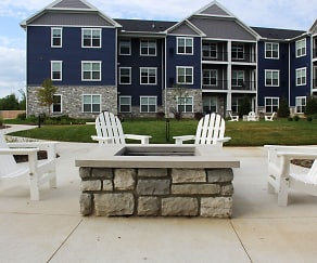Fire Pit, Owl Creek Apartments