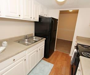 Kitchen, Midtown Oaks Apartments