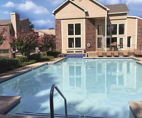 Pool, Creekwood