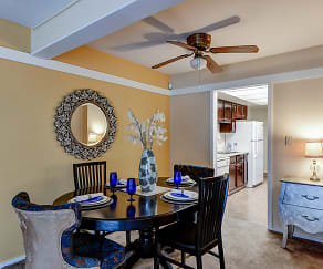 Dining Room, Villages at Eden Crossing