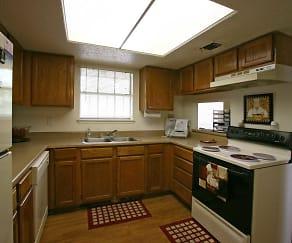 Kitchen, Broken Oaks Townhomes