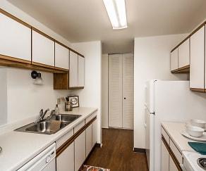 Kitchen, Columbia West Apartments