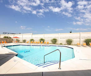 Pool, Sterling Commons Townhouse Apartments