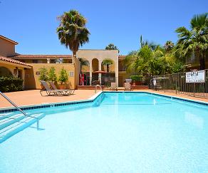 Pool, Capistrano Gardens