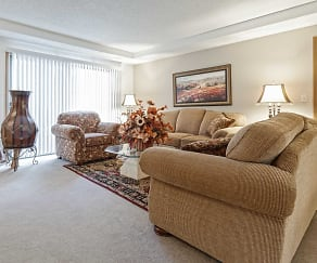 Living Room, Saddlewood Park Townhomes