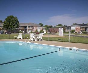Pool, Delaware On Primrose