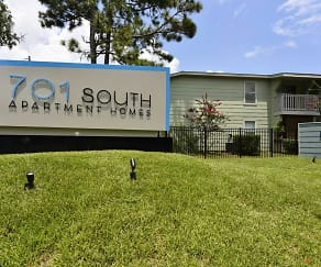 Community Signage, 701 South Apartments