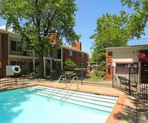 Pool, Southern Elms
