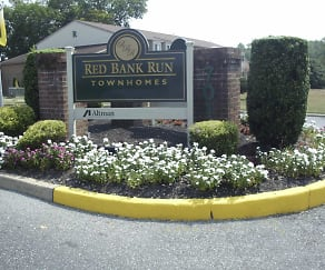 Landscaping, Red Bank Run Townhomes