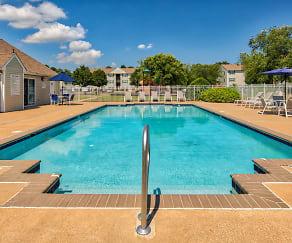 Pool, Bridgeport Apartments