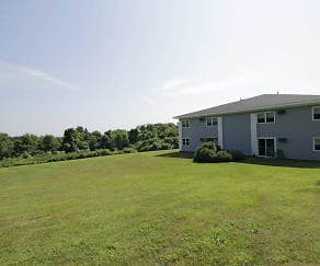 Building, Country Manor - Pomfret