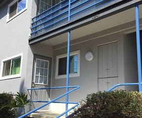 Ladera Townhouse Apartments, Hyde Park, Los Angeles, CA