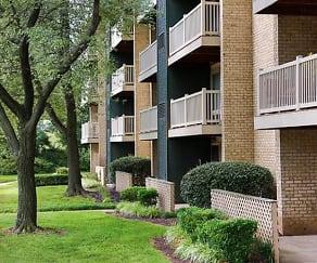 Building, Hilltop Apartments