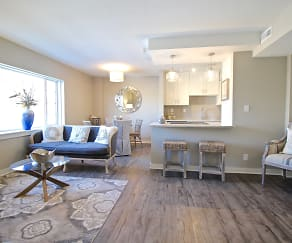 Living Room, Plaza 209